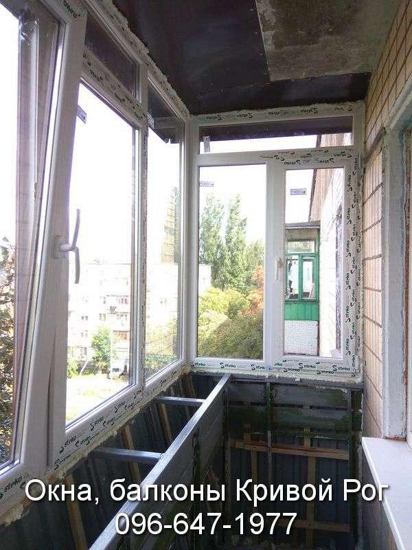 osteklenie i rasshirenie balkona s vynosom ramy po urovnju peril