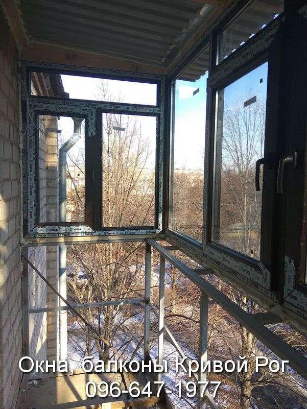 zasteklit balkon lodzhiyu plastikovymi oknami interesno ot komfort