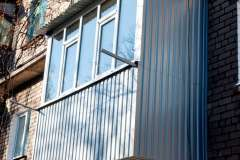 obshivka balkona proflistom (1)