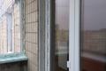 zasteklit balkon lodzhiyu metaloplastikovymi oknami dyoshevo
