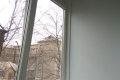 zasteklit balkon lodzhiyu plastikovymi oknami nedorogo