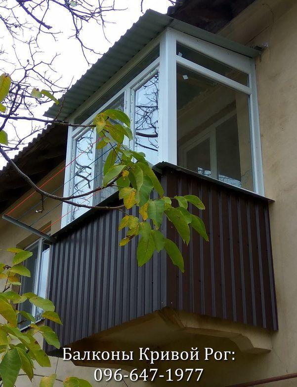 Обшить балкон профнастилом тёмно коричневого цвета