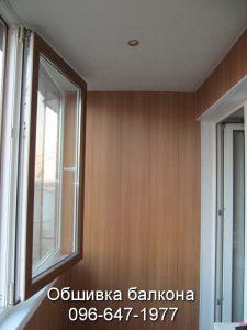 Остекление пластиковыми окнами и внутренняя отделка балкона