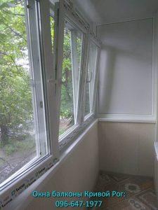 Рама на балкон из пластика и обшивка
