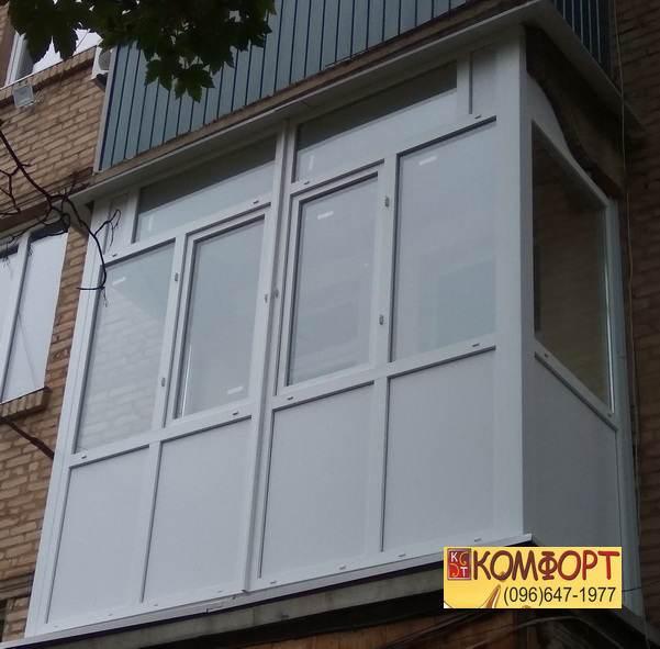 Металлопластиковый французский балкон