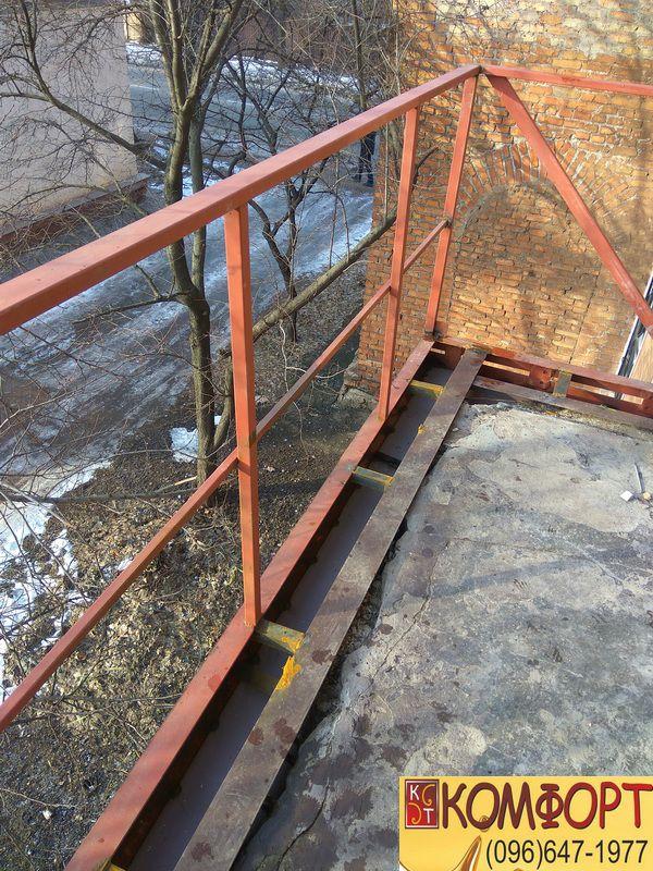 Укрепление плиты балкона: вид сверху
